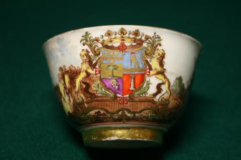 Meissen porcelain emblazoned with the arms of Don Luigi e Branciforte